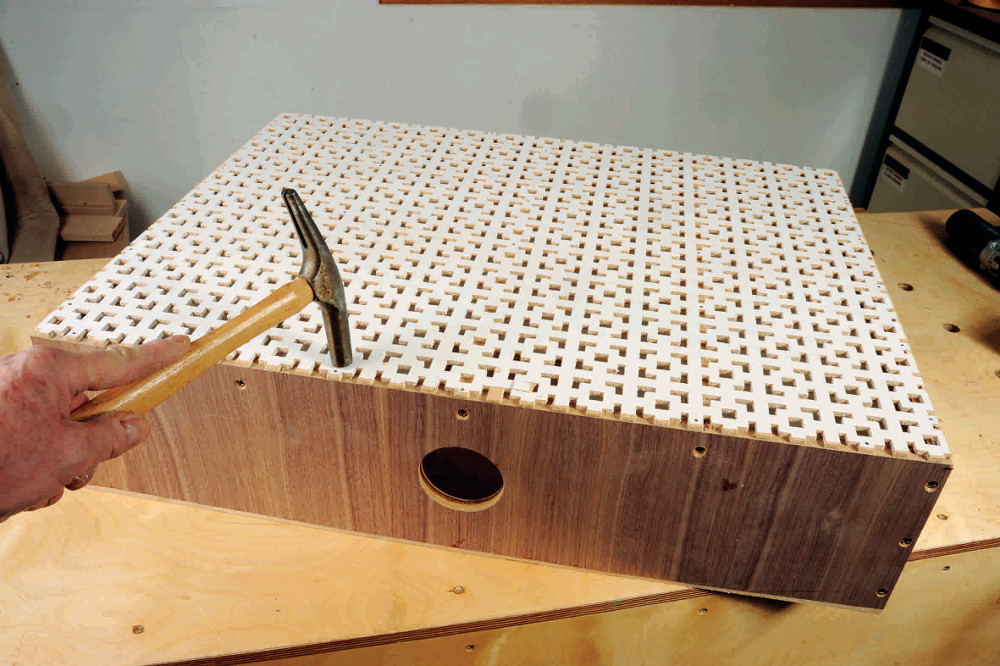 Quipement fabriquer une table d 39 aspiration l 39 atelier bois - Fabriquer un caisson en bois ...