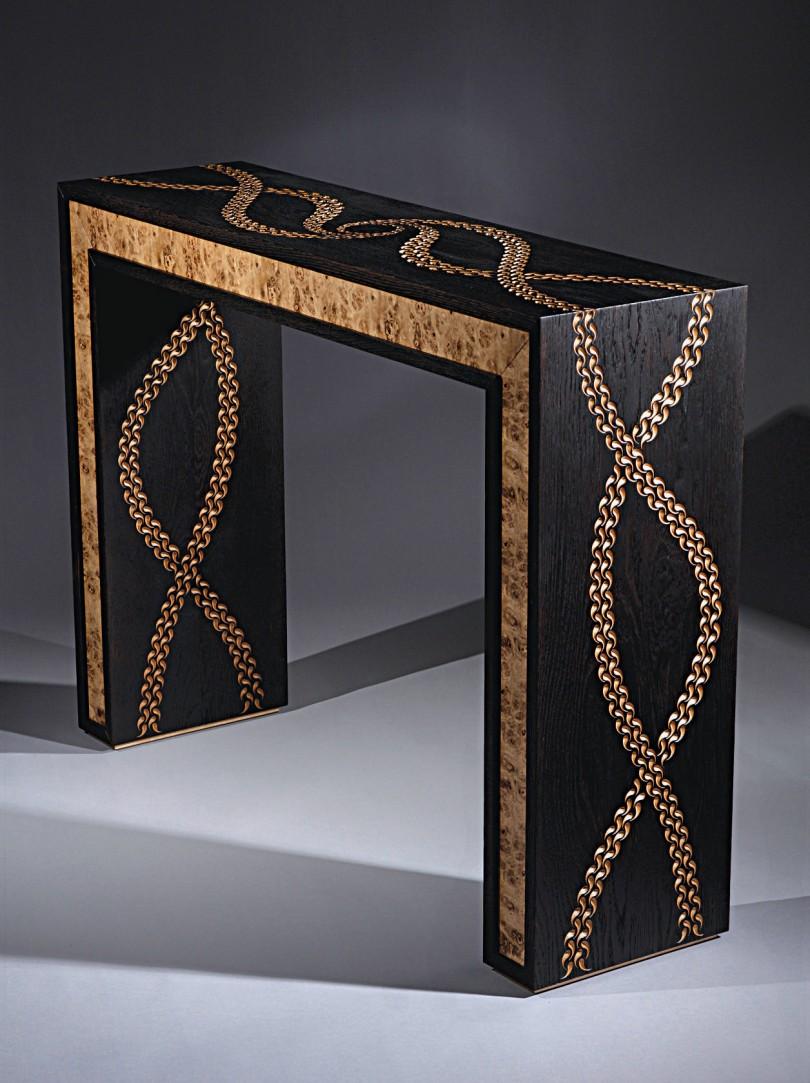 d corer un meuble avec les techniques du bois br l et de la sculpture l 39 atelier bois. Black Bedroom Furniture Sets. Home Design Ideas