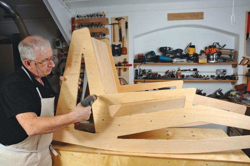 une chaise longue bascule l 39 atelier bois. Black Bedroom Furniture Sets. Home Design Ideas