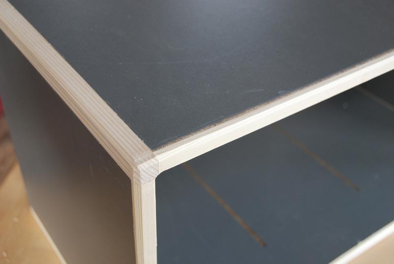 Technique assemblage de panneaux par montants massifs for Assemblage meuble mdf
